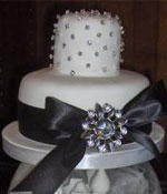 Black Brooch Wedding Cake
