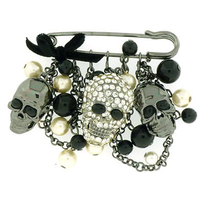 Skull Heads Chain & Pearl Beads Gothic Charm Safety Pin Fashion Brooch